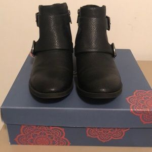 Kenneth Cole Boots. Size 9.5